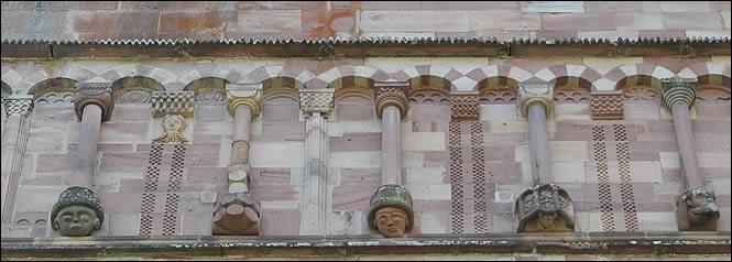 Galerie à colonnettes de l'abbaye de Murbach